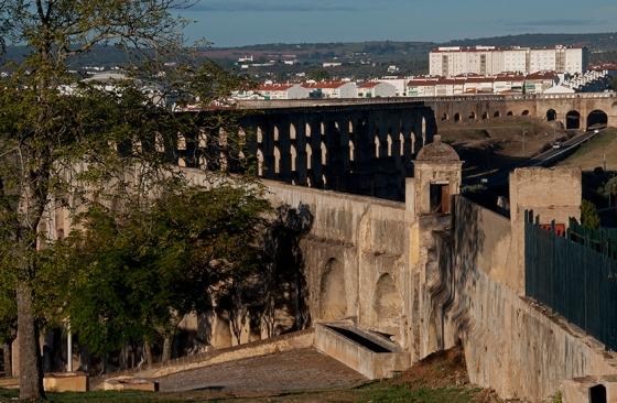 Com 8,5 km de extensão, o Aqueduto da Amoreira é 11 vezes maior que o de Segóvia, na Espanha