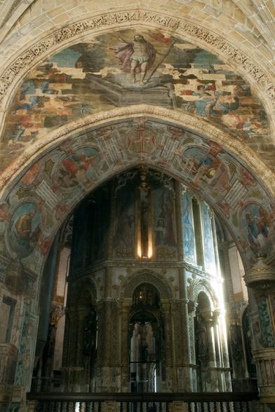 Inspirado no Santo Sepulcro, em Jerusalém, o oratório é o coração do convento