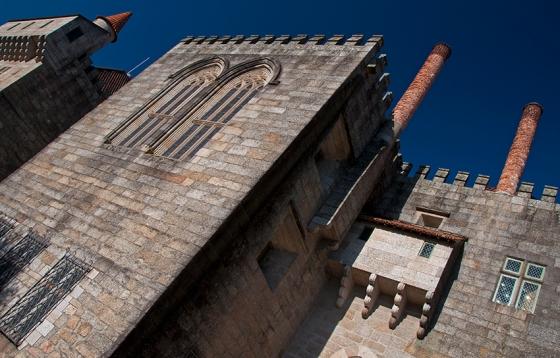 Paço dos Duques de Bragança, um dos monumentos mais emblemáticos de Guimarães
