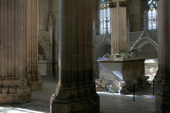 O túmulo do rei D. João O, primeiro monarca da Dinastia de Avis, e da rainha Filipa de Lencastre