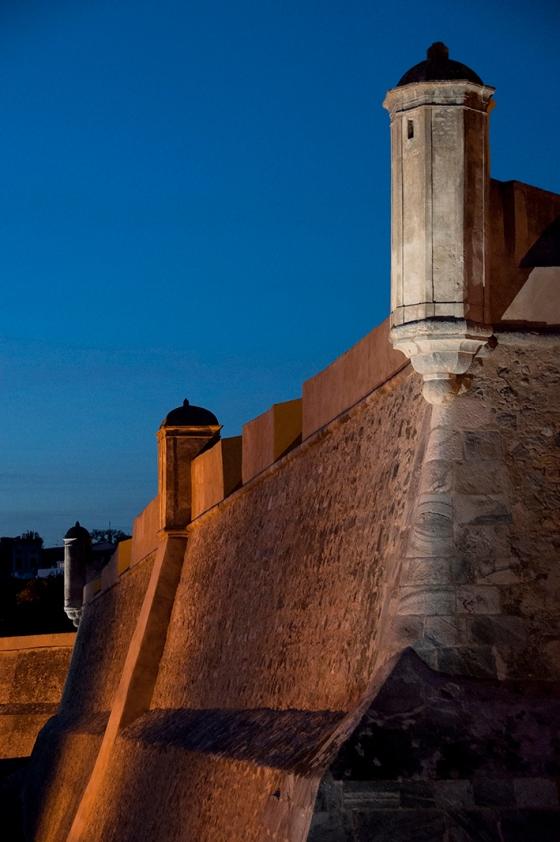 Erguida no século 17, a muralha de Elvas ajudou a garantir a independência e Portugal frente à Espanha