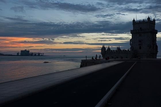 Luzes e sombras de um entardecer na Torre de Belém, declarada patrimônio mundial pela Unesco em 1983