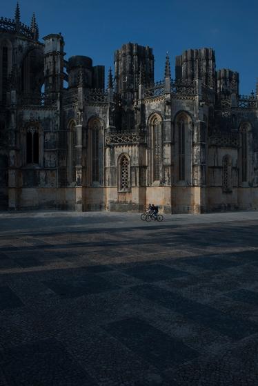 Fim de tarde no Mosteiro da Batalha: expoente máximo da arte gótica em Portugal