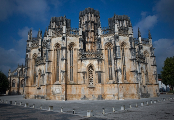 As Capelas Imperfeitas (ou Panteão de D. Duarte) vistas pelo lado de fora do Mosteiro da Batalha