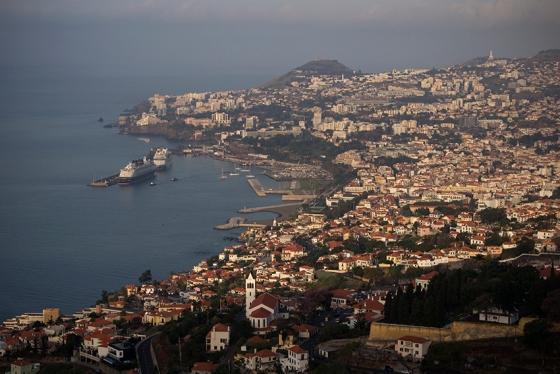 A cidade do Funchal despertando: uma das primeiras fotos clicadas na presstrip
