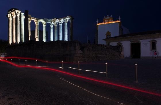 O Templo Romano nos últimos minutos do dia: ótimo lugar para encerrar uma segunda-feira