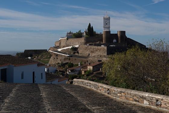 Núcleo urbano de Monsaraz: menos de 800 habitantes