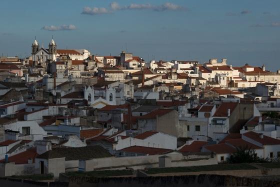 Vista da cidade junto à Faceira da Cisterna, nos último minutos de mais um dia fabuloso