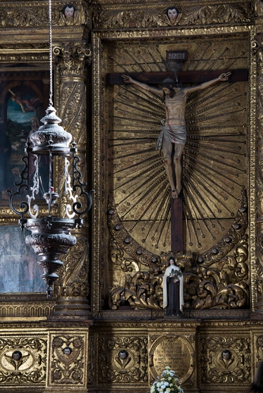 O Altar do Senhor Jesus, de estilo renascentista, data do último quarto do século 17
