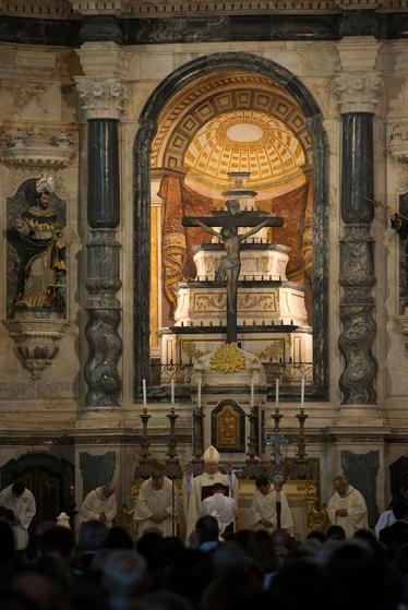 Missa de reabertura da Igreja de São Francisca, celebrada no dia 4 de outubro de 2015 pelo arcebispo de Évora