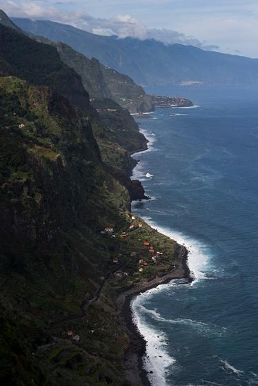 Litoral norte visto do Miradouro da Vigia, bem perto do Lombo do Pico