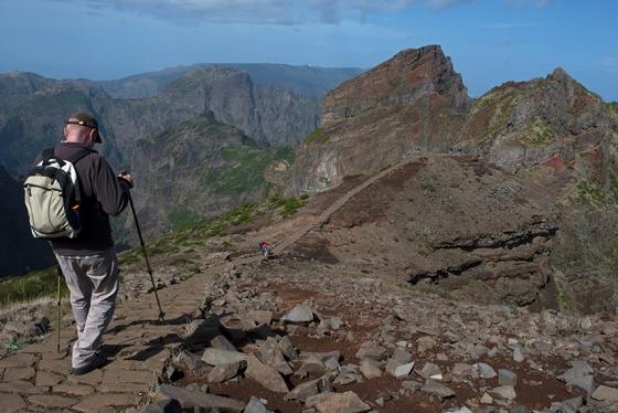 Rumo ao Pico das Torres, ainda no início do percurso