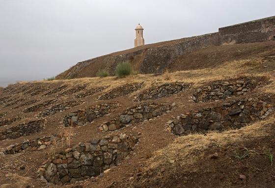As covas de lobo do Forte da Graça, em Elvas, que protegiam as áreas mais vulneráveis da fortaleza