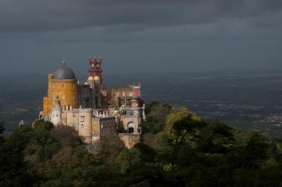 O Palácio Nacional da Pena, no alto da Serra de Sintra